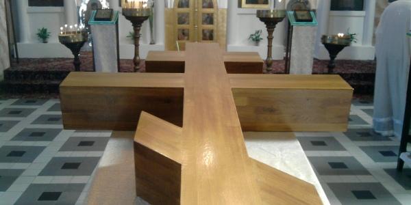 Новый Поклонный Крест в храме св.Горазда
