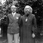 Конец 1930-х годов, с инженером Михаилом Ковалевским.